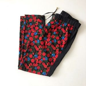 Vince Camuto Red Rose Flower Print Soft Pants M